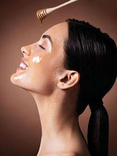 Cosmetica: mierea de albine pentru ten